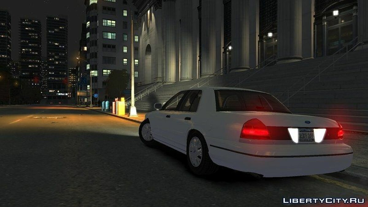2003 Ford Crown Victoria для GTA 4 - скриншот #3