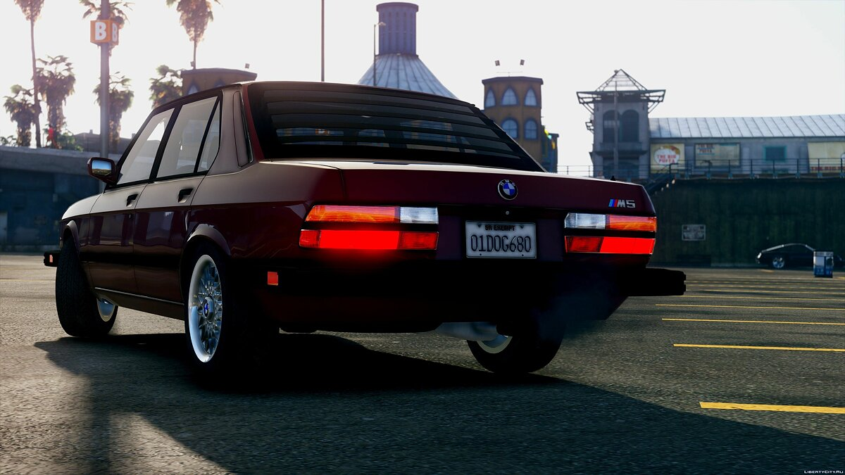 1985 BMW M5 E28 NA-spec [Add-On / Replace] 2.0 для GTA 5 - скриншот #3