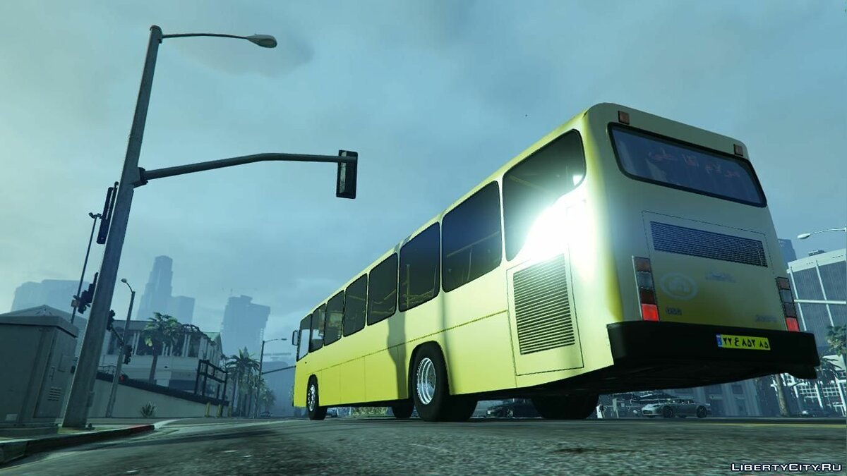 Mercedes-Benz Bus 1.0 для GTA 5 - скриншот #2