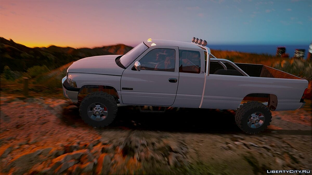 2nd Gen Dodge Ram 3500 Lifted 1.0 для GTA 5 - скриншот #5