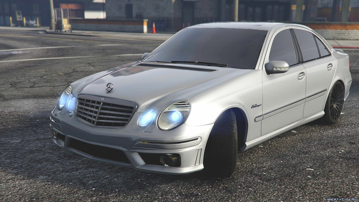 ��ашина Mercedes-Benz Mercedes-Benz E63 w211 [Replace] 1.0 для GTA 5