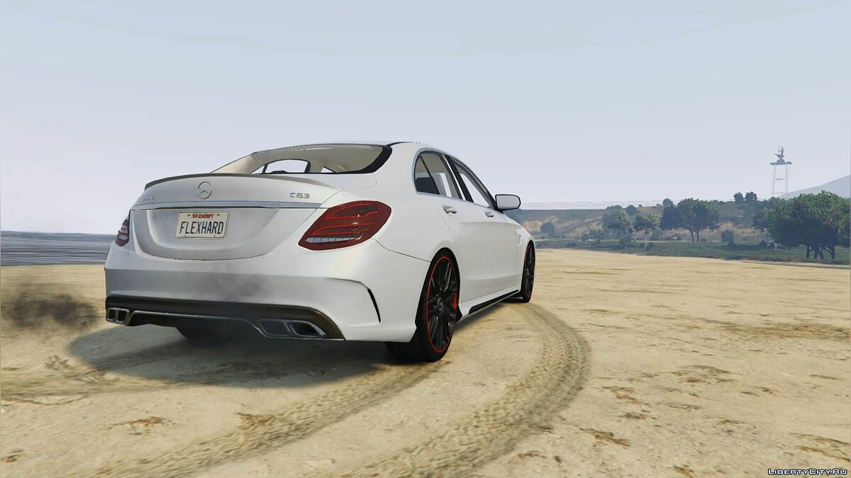 2016 Mercedes-Benz C63 AMG [HQ | Replace] 1.0 для GTA 5 - скриншот #2