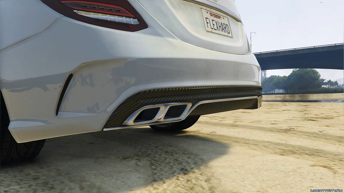 2016 Mercedes-Benz C63 AMG [HQ | Replace] 1.0 для GTA 5 - скриншот #4