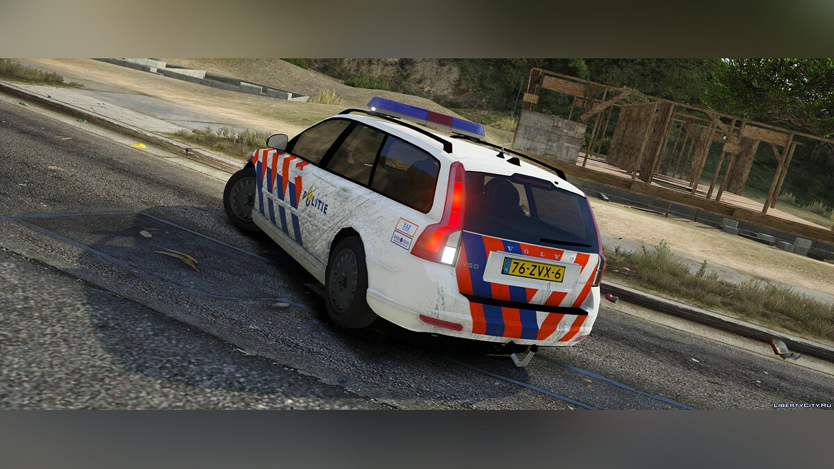 Volvo v50, Dutch police, TeamMoh 0.1 для GTA 5 - скриншот #2
