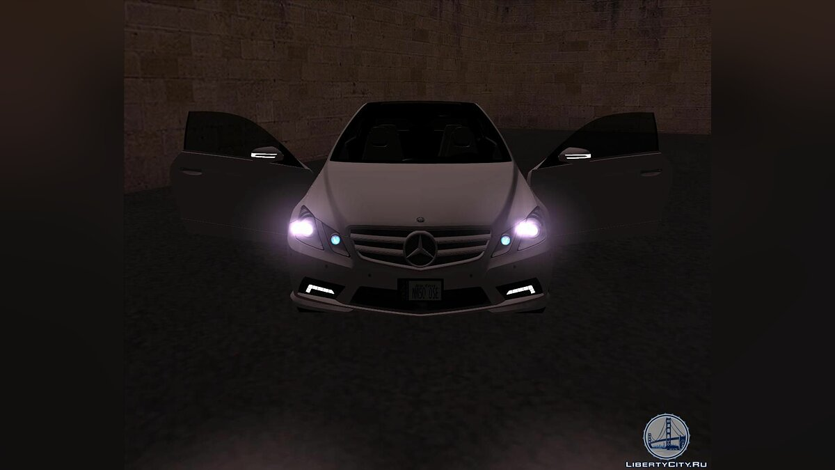 Mercedes-Benz E500 Coupe v.1.0 для GTA San Andreas