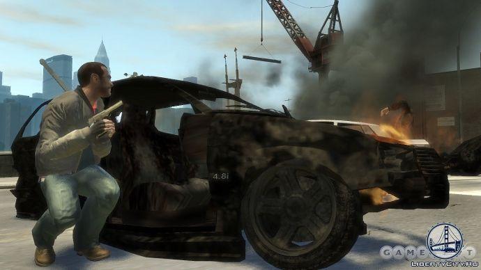 За обгоревшой машиной