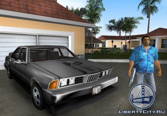 Машина возле гаража