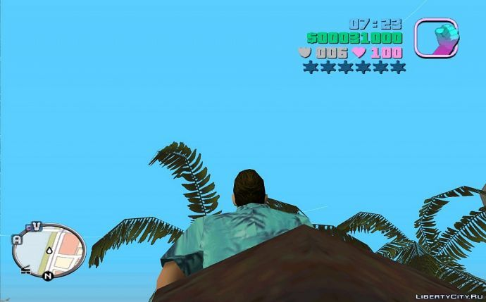 Томми на дереве застрял