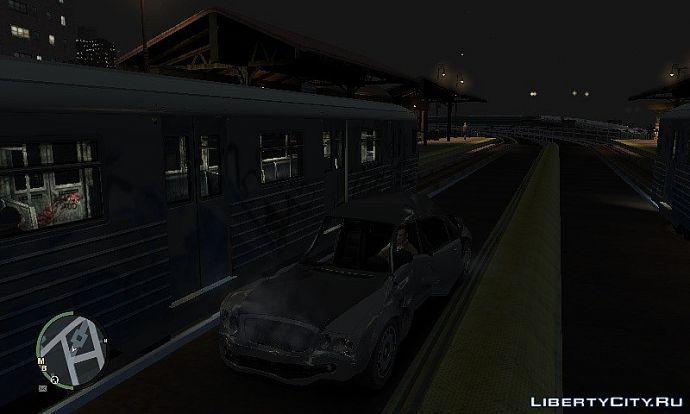 Поезд сбил машину