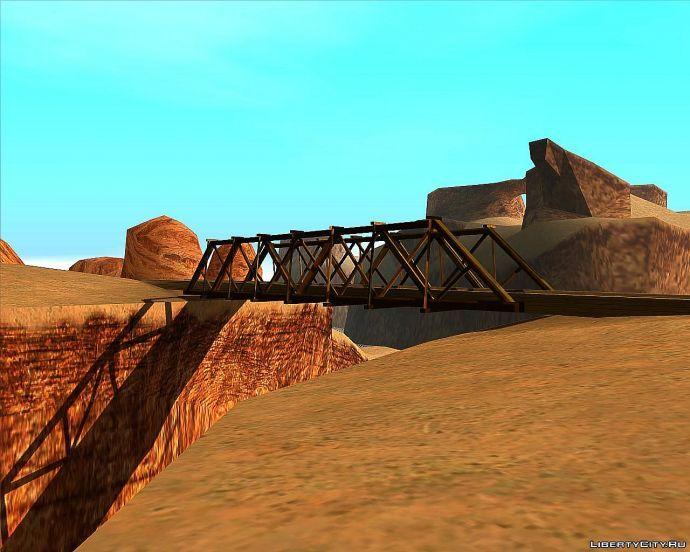 Дереяный мост в пустыне