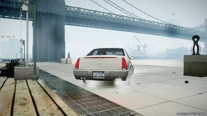 Cadillac возле пирса