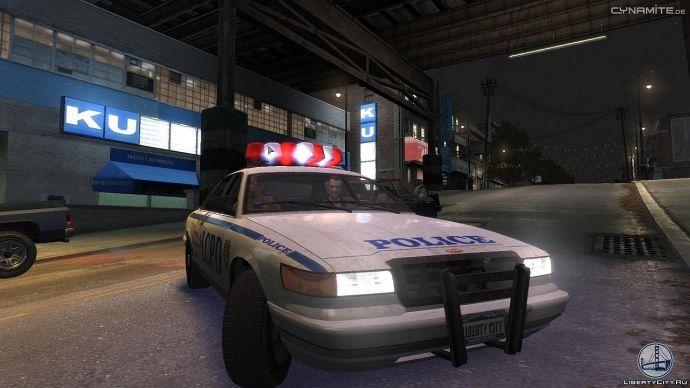 Нико в полицейском автомобиле
