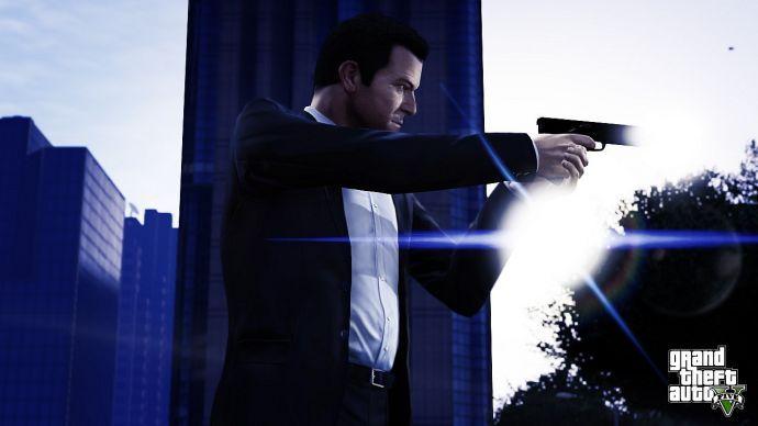 Майкл с пистолетом