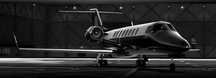 Самолет в черно-белом цвете