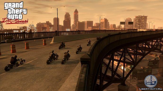 Байкеры едут по мосту