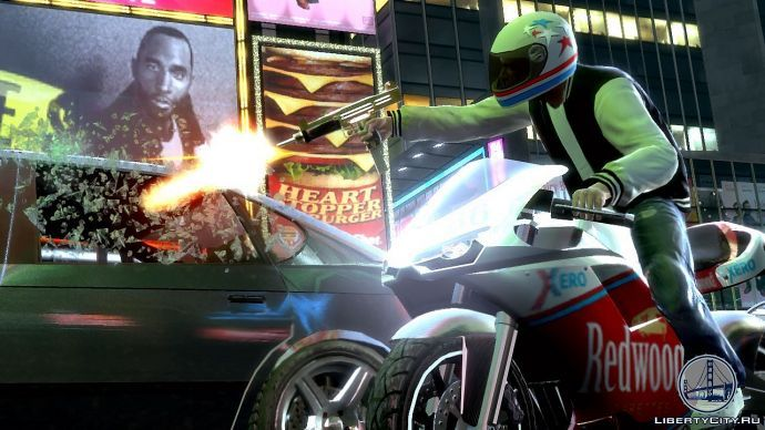 Луис на мотоцикле