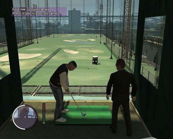 Луис и Тони на поле для гольфа