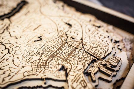 Чем заняться на карантине: фанат GTA 5 вырезал из дерева карту Лос-Сантоса