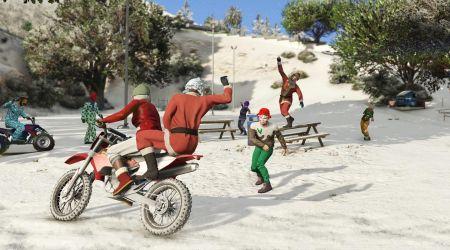 В GTA Online выпал снег. В игре началась раздача подарков
